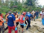 proses-evakuasi-korban-dari-aliran-sungai-bengawan-solo.jpg