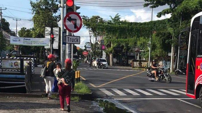 Satpol PP Badung Tugaskan Dua Personel Awasi Gepeng di Persimpangan Jalan