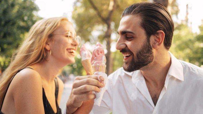 Peruntungan Asmara Zodiak Besok 6 September 2021, Libra Menikmati Waktu Bersama Pasangan, Zodiakmu?