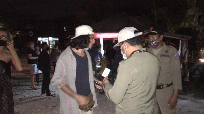 55 Orang Terjaring Penegakkan Prokes di Jalan Pantai Batu Bolong Badung