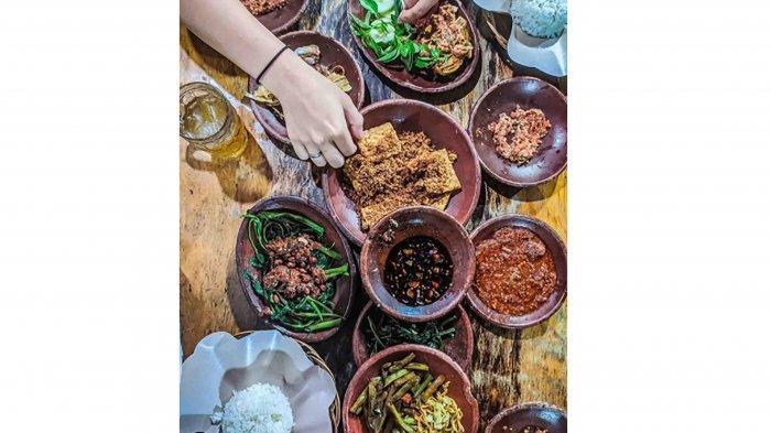 Rekomendasi 7 Tempat Kuliner Malam di Bali, Ada Warung Mbok Limbok hingga Pecel Bu Tinuk