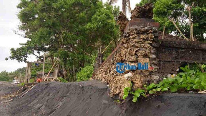 Abrasi Ancam Pura di Pantai Saba Blahbatuh, Jro Mangku Geser Warung Ke Jarak Aman