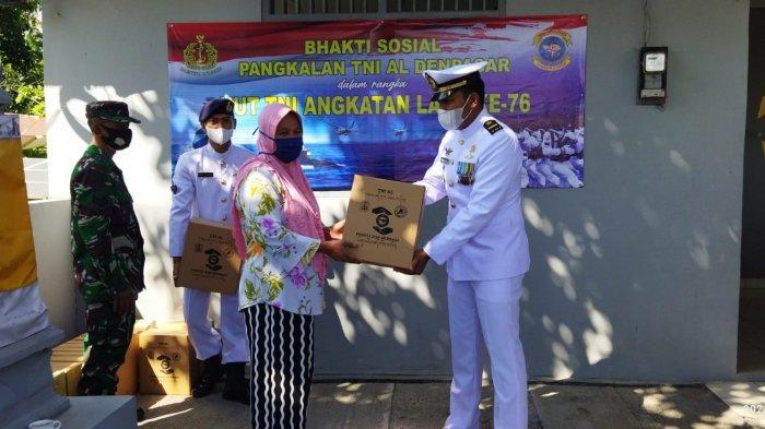 LanalDenpasarBagi-bagi Sembako untuk Masyarakat Pesisir di Kawasan Pos Celukan Bawang Buleleng