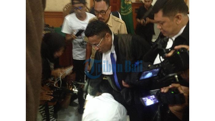 Agustay Belum Puas Divonis 10 Tahun Penjara