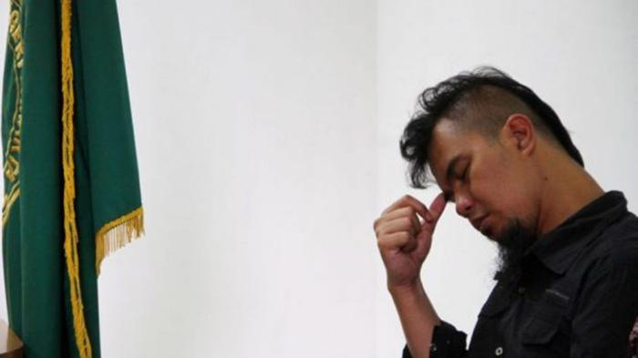 Bengong Saat Keluar Dari Kejari, Kehidupan Ahmad Dhani Kini Dibandingkan dengan Maia Estianty