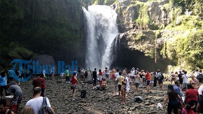 Air Terjun Tegenungan Ramai Dikunjungi Bule dan Wisatawan Domestik