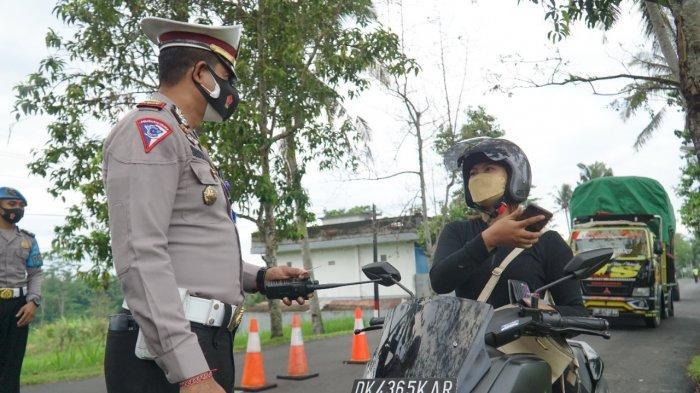 Tidak Bisa Menunjukan Surat Vaksin & Bebas Covid-19, 88 Kendaraan di Bangli Diminta Putar Balik