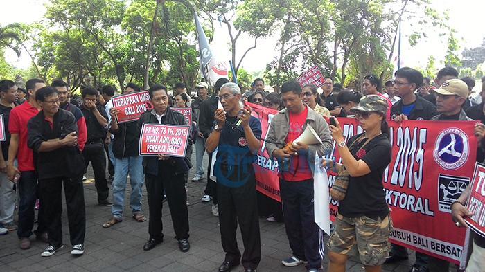 Tampung Keluhan Buruh, Disnakertrans Buleleng Dirikan Posko May Day