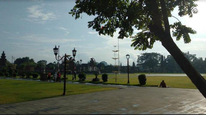 Bupati Mahayastra Akan Segera Buka Alun-alun Gianyar Untuk Olahraga