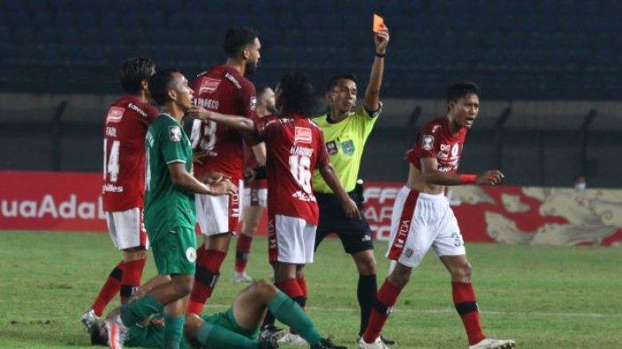 Rekor Andhika Wijaya di Piala Menpora 2021: Dua Kali Main Dua Kali Kartu Merah