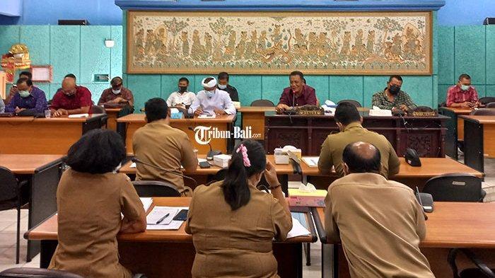 Anggota Dewan Pertanyakan Kelanjutan Rencana Pembangunan Blok B Pasar Semarapura Klungkung
