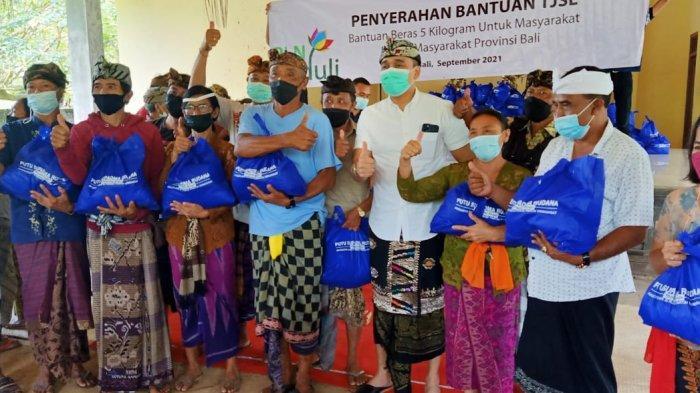 Lanjutkan Roadshow Bagi Sembako dan Masker Keliling Bali, PSR Dorong Pariwisata Segera Dibuka