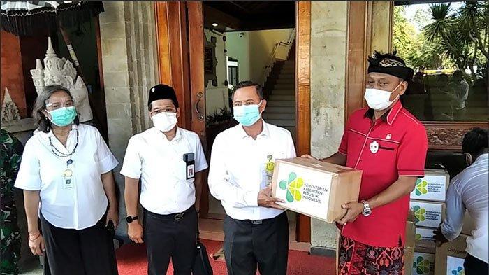 Komisi IX DPR RI Salurkan Bantuan Hibah Alat Oksigen Konsentrat dan APD untuk 8 Rumah Sakit di Bali