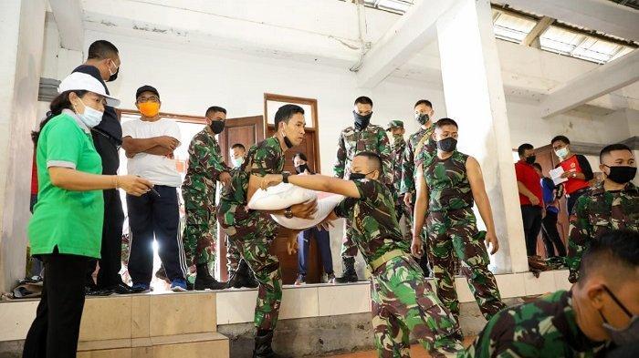 Bantuan Sembako untuk 7.554 KK Miskin di Gianyar Mulai Didistribusikan