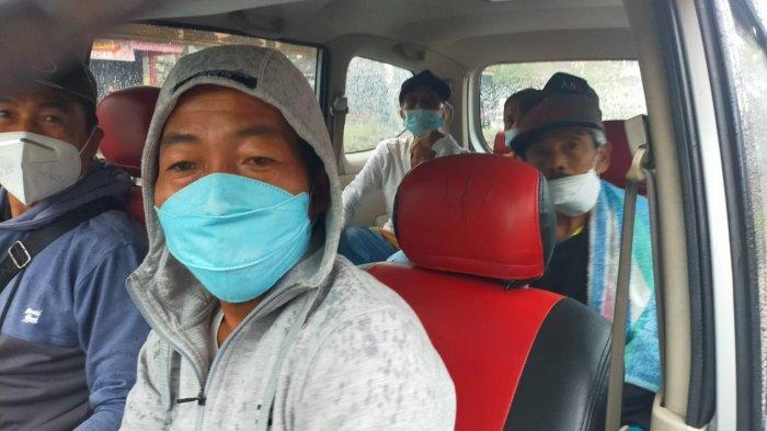 Polisi Antar Jemput Ratusan Warga Untuk Vaksinasi di Tabanan