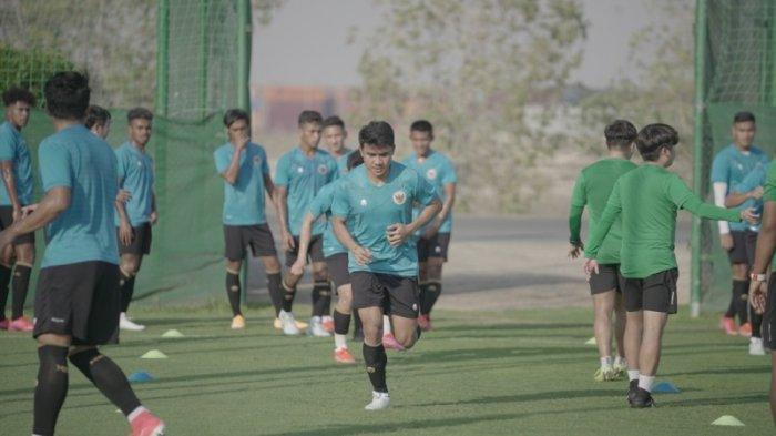 Asnawi Mangkualam Bahar sudah mengikuti latihan bersama skuat Garuda di Uni Emirat Arab, Dubai, di lapangan sepak bola JA Centre of Excellence & Shooting Club, Dubai, Rabu, 19 Mei 2021 sore waktu setempat.