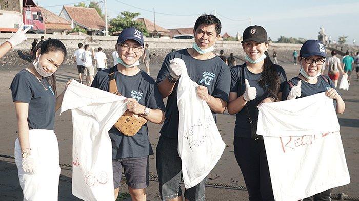 Aston Denpasar dan Archipelago International Partisipasi dalam Bali's Biggest Beach Clean Up 2020