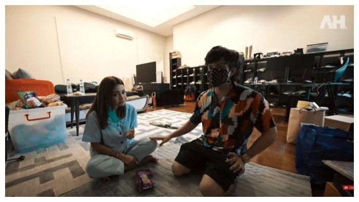Atta Halilintar dan Aurel Hermansyah siap berumah tangga. Atta dan Aurel dikabarkan membeli karpet dengan harga miliaran untuk rumah barunya.