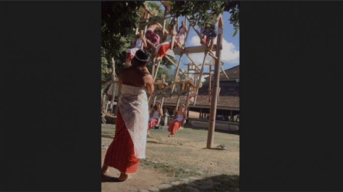 Mengenal Tradisi Ayunan Jantra di Tenganan Pegringsingan Bali,Sebagai Simbol Poros Kehidupan Manusia