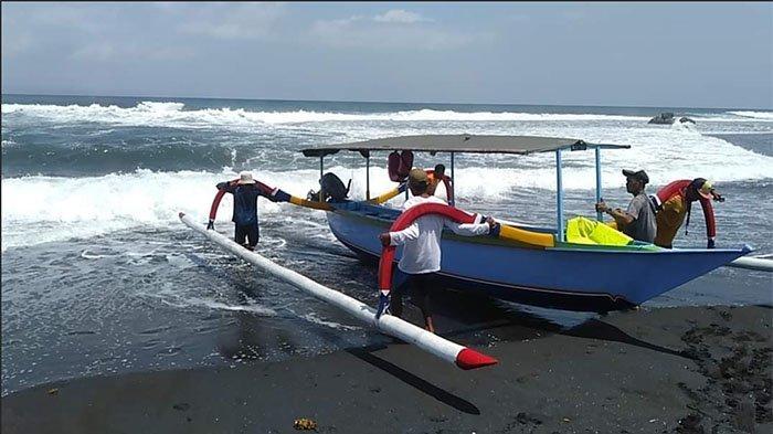 Arti Mimpi Naik Perahu, Naik Bareng Keluarga Ternyata Pertanda Baik