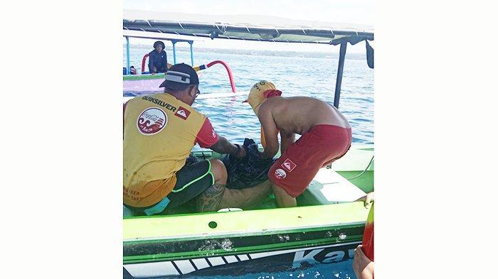 Balawista Gianyar Evakuasi Mayat Terapung di Tengah Laut, Diperkirakan Sudah Tenggelam 15 Jam