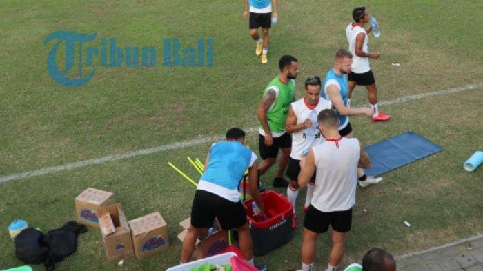 Risiko Pemain Bali United Cedera di Piala Walikota Solo, Teco: Tetapkan Mainkan Semua Pemain Penting