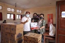 Bali United Salurkan Bantuan Sandang Pangan Dukung Program Percepatan Vaksinasi Covid-19