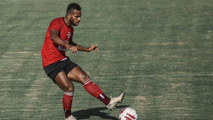 Pemain Bali United Yabes Roni Alami Cedera saat Game Internal, Ini Kata Teco