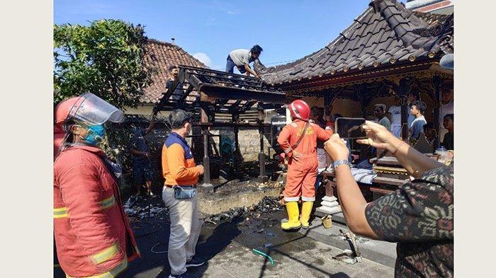 Api Dupa Jatuh ke Serabut Kepala, Bangunan Bale Panggungan di Pura Kubontubuh Klungkung Terbakar