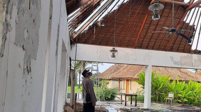 Lobi Vila di Tabanan Bali Tersambar Petir, Satu Bangunan Terbakar