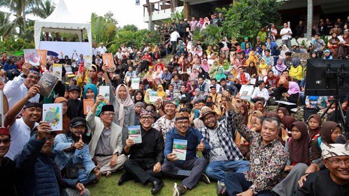 Ratusan Pegiat Sastra Dalam dan Luar Negeri Ikuti Kemah Bareng di Banyuwangi
