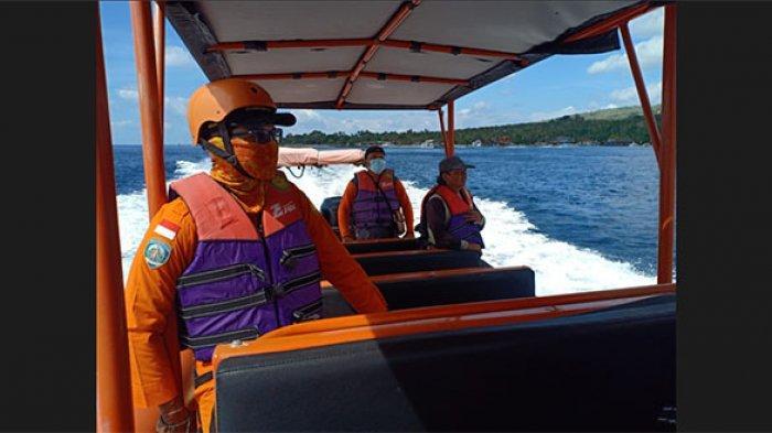 Jukung Rusak Dihantam Gelombang Tinggi di Perairan Klungkung, Dua Nelayan Ini Berhasil Selamat