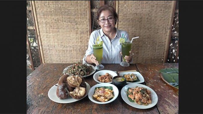Tarik Minat Konsumen, Warung Rujak Bali D'Tepi Sawah Hidangkan Makanan Tradisional Bernuansa Modern