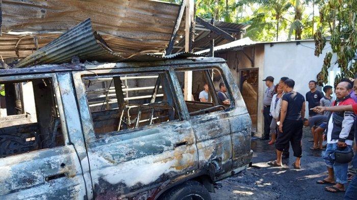 Diduga Percikan Api Mengenai Bensin, Rumah Wayan Gandi Hangus Terbakar