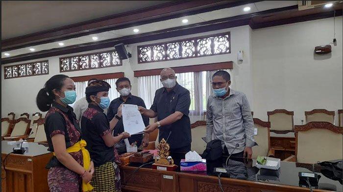 Datangi DPRD Bali, Forum Mahasiswa Hindu Unud Minta Dewan Kawal Kasus Penistaan Agama Sampai Tuntas