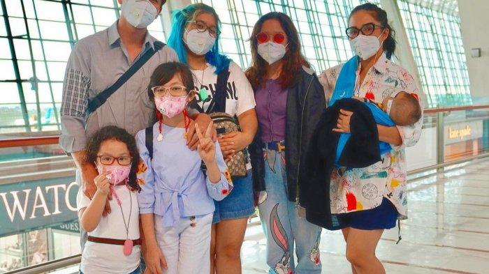 Berlibur ke Bali Bersama Keluarga di Tengah Pandemi Covid-19, Ussy Sulistiawaty Merasa Was-was