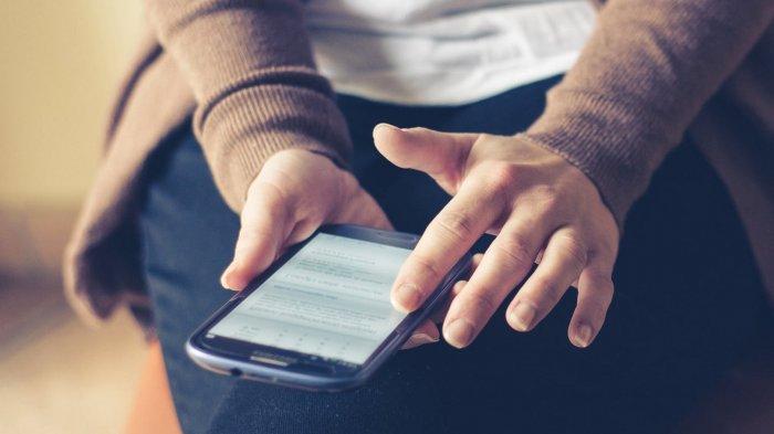 Sayangi Kesehatan Anda! Berapa Jam Sebaiknya Memegang Ponsel dalam Sehari?