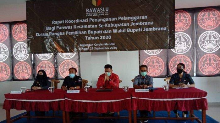 Bawaslu Bali dan Bawaslu Jembrana Gelar Rapat Koordinasi Penanganan Pelanggaran Bagi Panwas