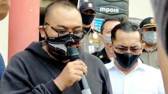 Sosok dan Biodata Pria Brewok Putu Arimbawa yang Viral karena Melanggar Prokes