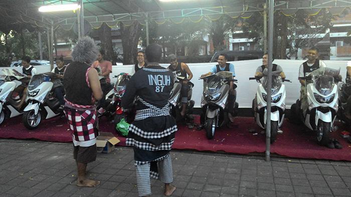 Bondres Inguh 87 Segarkan Peserta Read and Ride Bersama Yamaha NMax