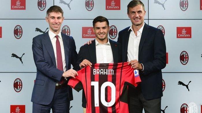 Brahim Diaz (tengah) resmi kembali memperkuat AC Milan dengan status pinjaman dan mendapatkan nomor 10.