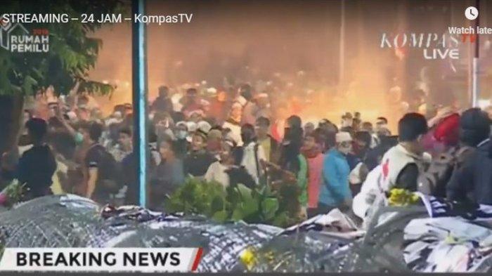 BREAKING NEWS: Pendemo Aksi 22 Mei Lempar Batu dan Petasan, Kapolres: Tolong Jangan Provokasi Kami