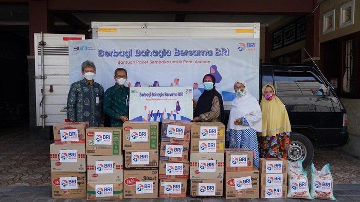 BRI Kantor Wilayah Denpasar Bagikan Sembako ke Panti Asuhan dan Panti Werdha