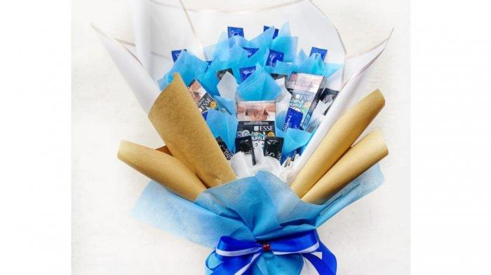 Jelang Valentine, Ikka Craft Denpasar Kebanjiran Orderan Buket, Buket Snack hingga Buket Kondom