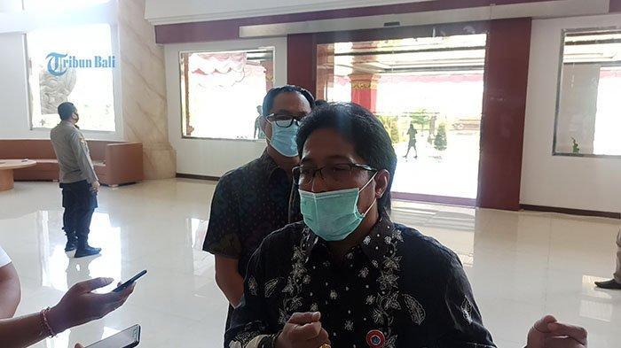 Utamakan Edukasi, Bupati Giri Prasta Tak Langsung Kenakan Denda Warga yang Tidak Pakai Masker