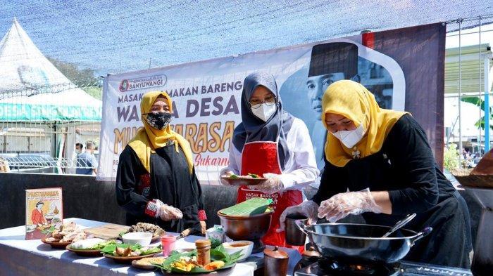 Ngantor di Desa, Bupati Banyuwangi Bareng Warga Nikmati Kuliner Resep Bung Karno