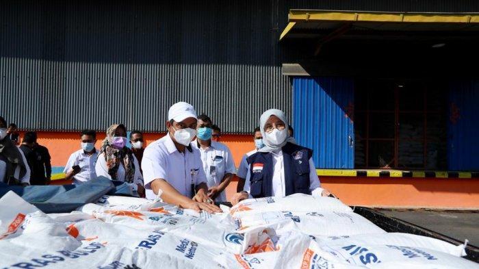 Bansos Beras PPKM Darurat Diluncurkan untuk 119.235 Keluarga di Banyuwangi