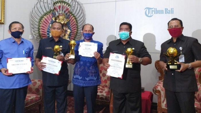 Bupati dan Perumda Tirta Hita Buleleng Sabet Empat Penghargaan BUMD Award 2020