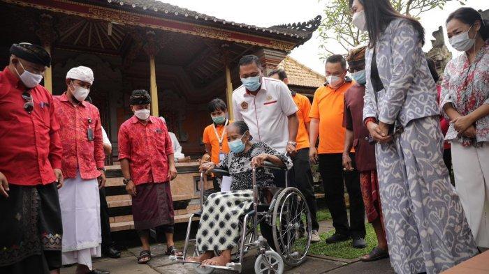 Ekonomi Terpuruk, Bupati Gianyar Manfaatkan Kemitraan Dengan Swasta Untuk Bantu Warga