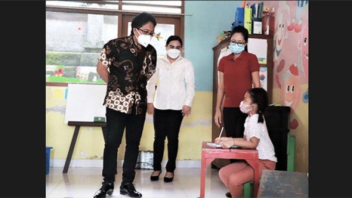 Bupati Giri Prasta Pantau PTM di Badung, Pastikan Semua Guru Sudah Divaksin & Terapkan Prokes Ketat